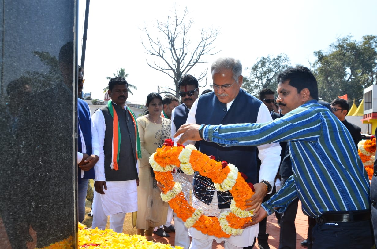 Chief Minister pays tribute to the immortal soldiers