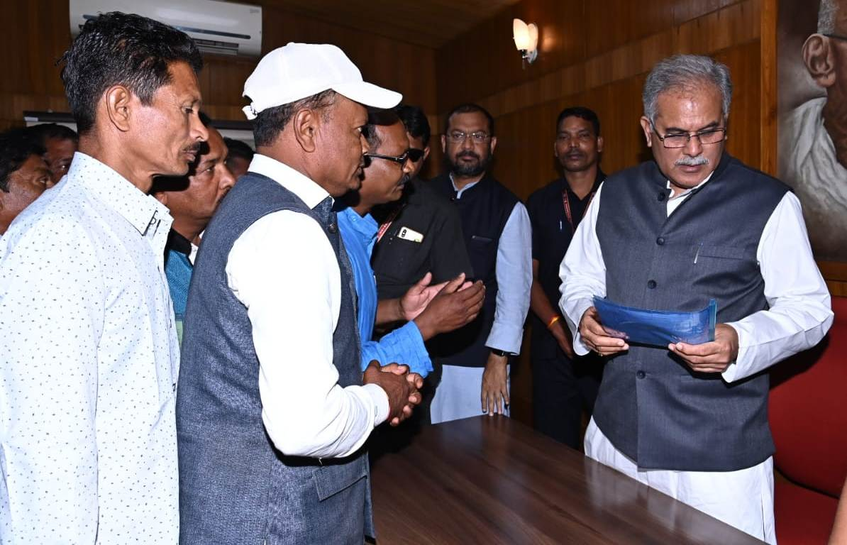 Tribal Halba Samaj delegation met Chief Minister