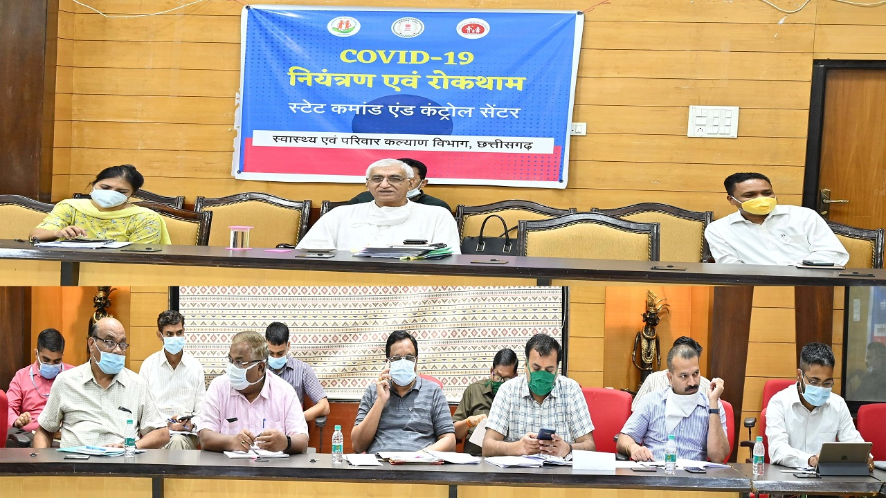 Health Minister reviews the screening and treatment arrangements of Covid-19
