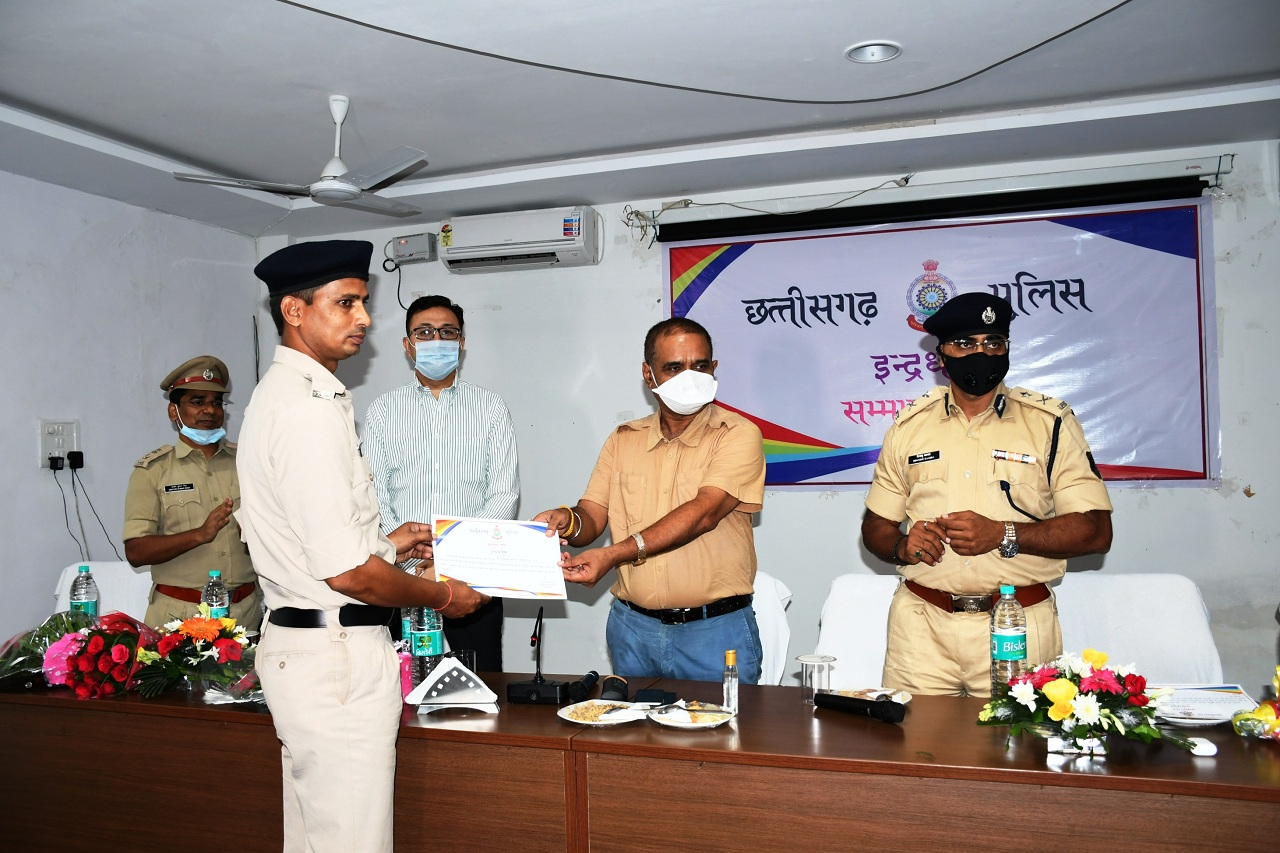 Quick action increases public confidence in police - Shri Awasthi