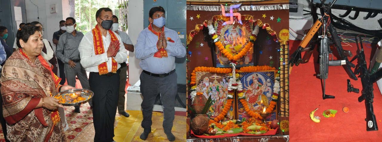 Participated in worship on the occasion of Governor Vijayadashami
