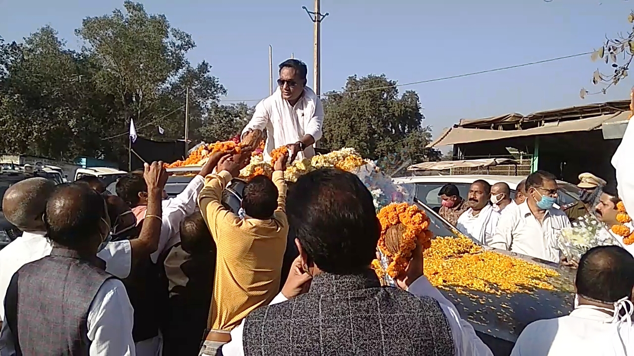 Satnam Sandesh Yatra and Minister Guru Rudra Kumar received a grand welcome by the community officials and public representatives