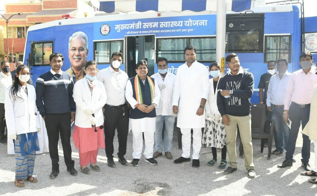 Minister Dr. Dahria sees the system, mobile medical unit is being praised